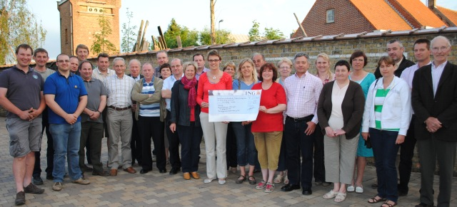foto uitreiking cheque bal leisele 2011